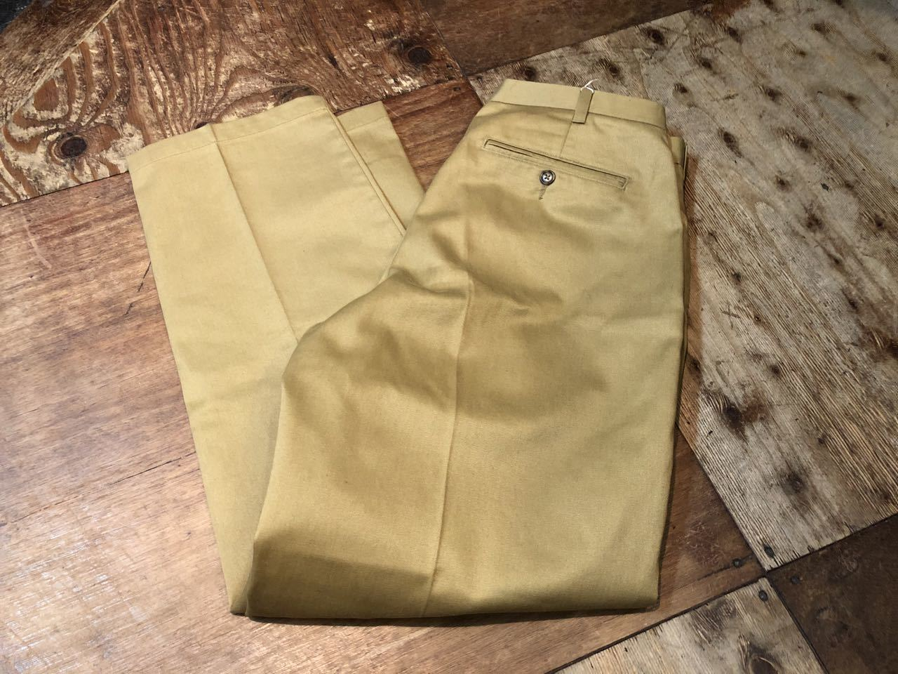 6月23日(火)入荷!L.L bean chino trouthers ! _c0144020_16381652.jpg