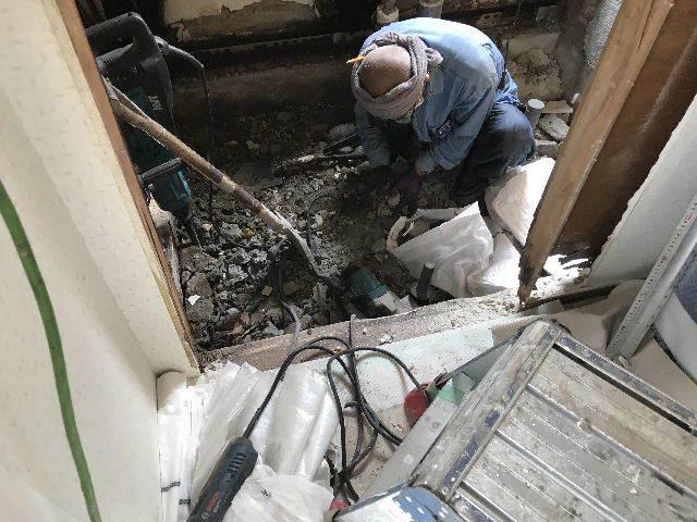 浴室解体2日目  総重量1.5トン_f0031037_18400295.jpg