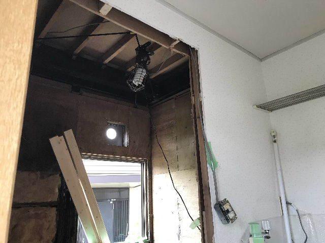 浴室解体2日目  総重量1.5トン_f0031037_18401450.jpg