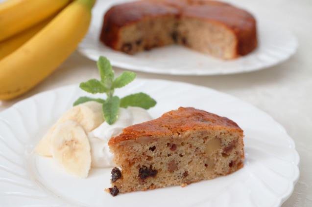 バナナ&くるみ&レーズンの・・・簡単ケーキ!_d0377645_22491099.jpg
