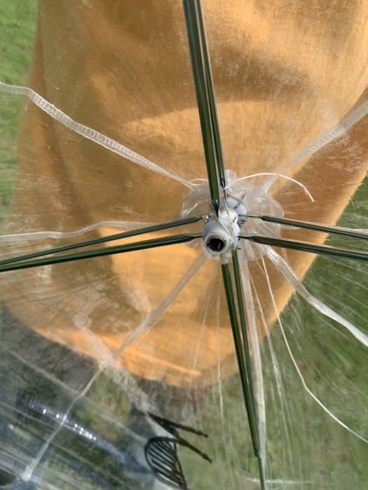 廃ビニール傘が、空を飛ぶ!!_a0166183_21155184.jpg