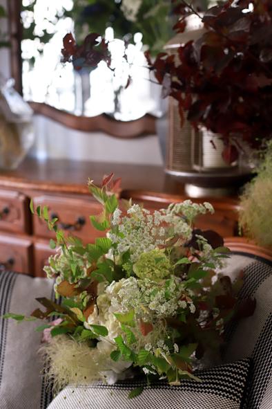 紫陽花とスモークツリーのブーケ_b0208604_07040631.jpg