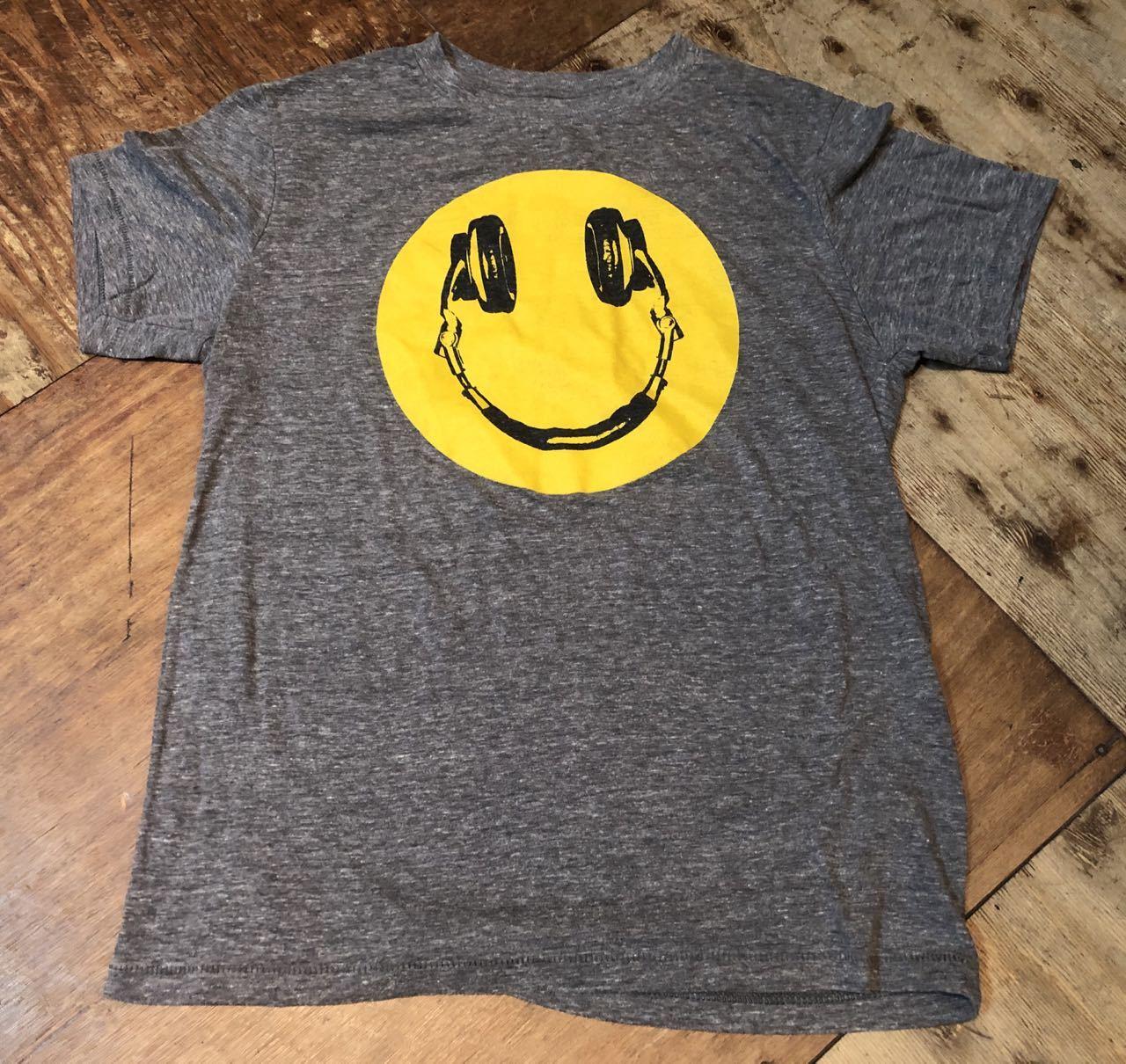 6月25日(木)入荷! smile スマイル ヘッドフォン Tシャツ!_c0144020_13200122.jpg