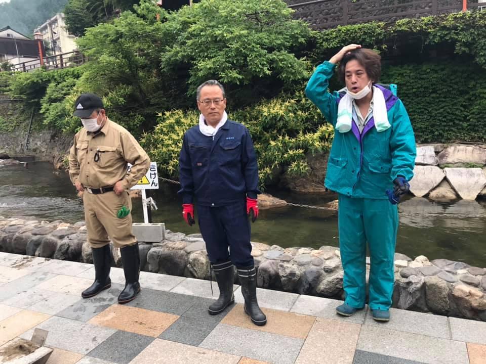 【 源泉「荒湯」の清掃 】_f0112434_18123035.jpg