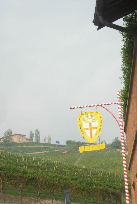 昔のバローロのワイン生産者の労働着_b0346275_04444353.jpg