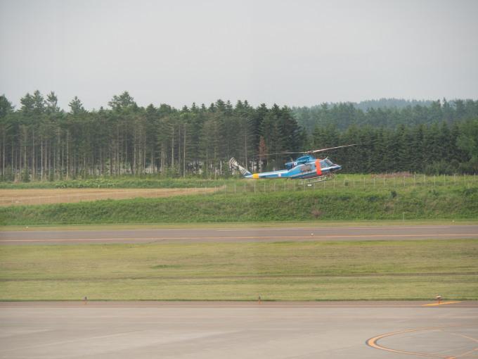 帯広空港は大幅減便中ですが・・何故か活気のあるひと時。_f0276498_12402573.jpg
