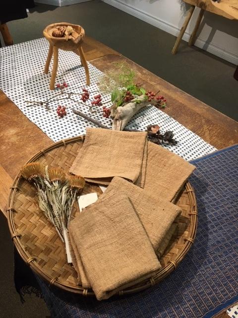 明日が最後。「Ogの自然服」の最終日であり、札幌でのクラフトの畑 Agerにおける企画展の最終日となります。_a0112812_09354531.jpg