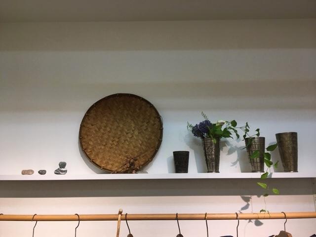 明日が最後。「Ogの自然服」の最終日であり、札幌でのクラフトの畑 Agerにおける企画展の最終日となります。_a0112812_09362656.jpg
