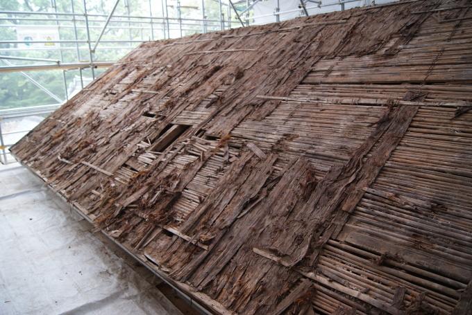 本殿銅板屋根撤去 宝蔵桟瓦撤去 R2.6.25_f0191383_09243938.jpg