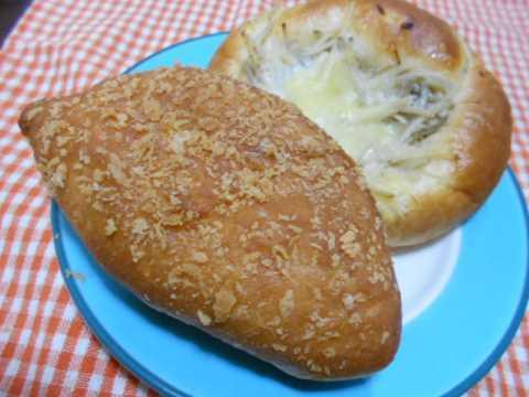 朝早くパン屋さんへ&ポテトサラダ_f0019498_17384947.jpg