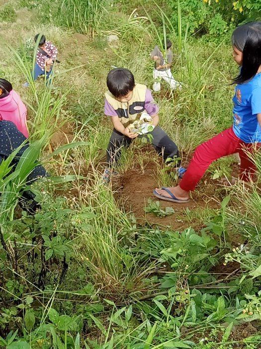 キブンガン郡でのアグロフォレストリーによる植林と生態系調査プロジェクト終了しました!_b0128901_16081273.jpg