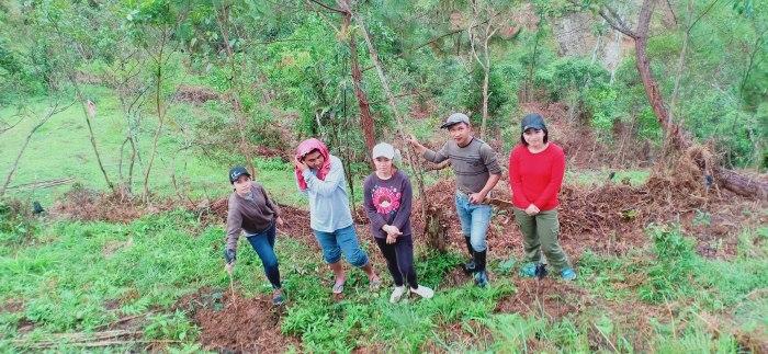 キブンガン郡でのアグロフォレストリーによる植林と生態系調査プロジェクト終了しました!_b0128901_17003793.jpg