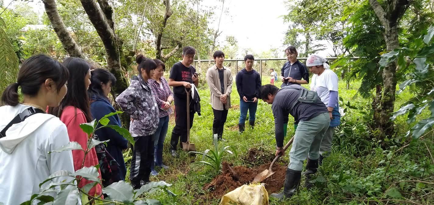キブンガン郡でのアグロフォレストリーによる植林と生態系調査プロジェクト終了しました!_b0128901_17014147.jpg