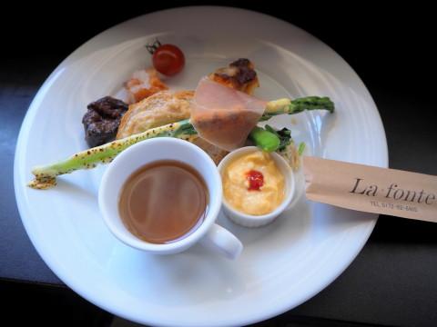 フレッシュトマトとバジルのパスタ:イタリア食堂ラ・フォンテ(青森市)_b0147224_9293953.jpg
