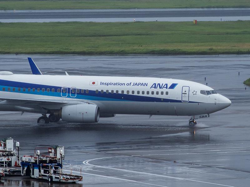雨の羽田空港_a0003650_22582021.jpg