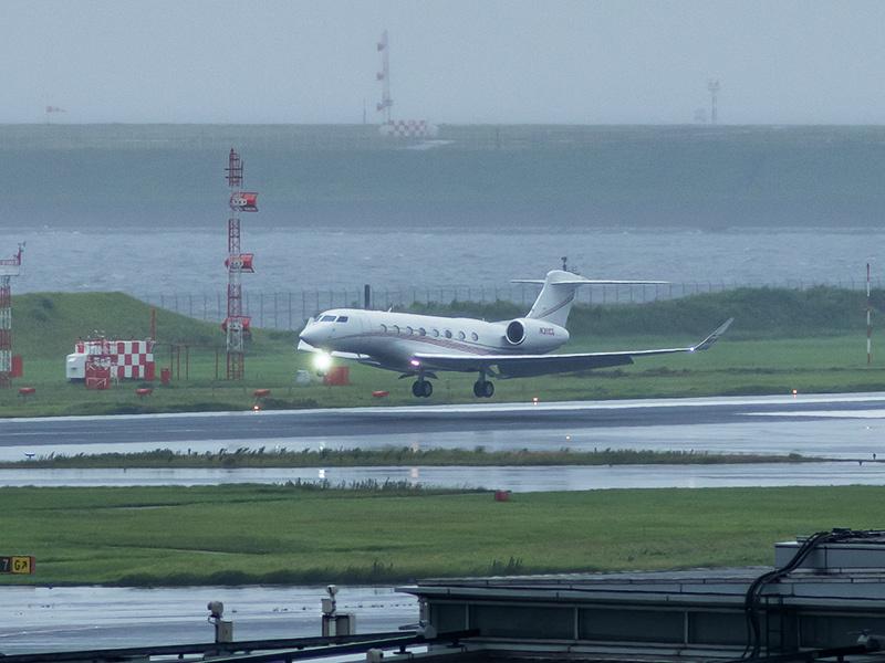 雨の羽田空港_a0003650_23021540.jpg
