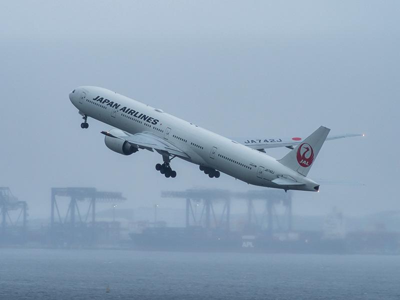 雨の羽田空港_a0003650_23143645.jpg