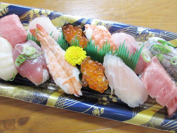 【オークワ】父の日のお寿司の盛り合わせ_c0152767_12382224.jpg