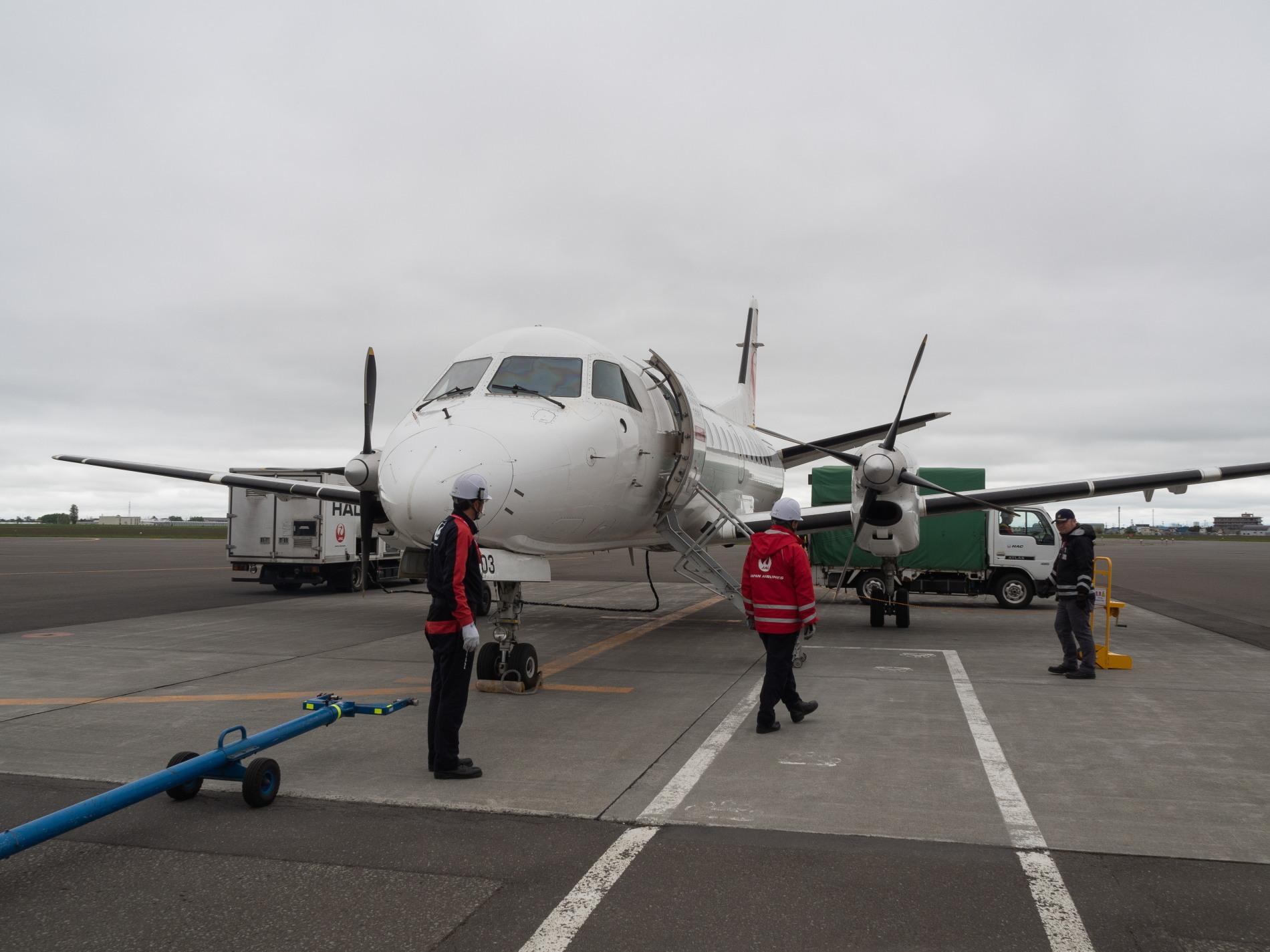 北海道エアシステムの新機材ATR42に乗って・・函館へ(1)_f0276498_13093300.jpg