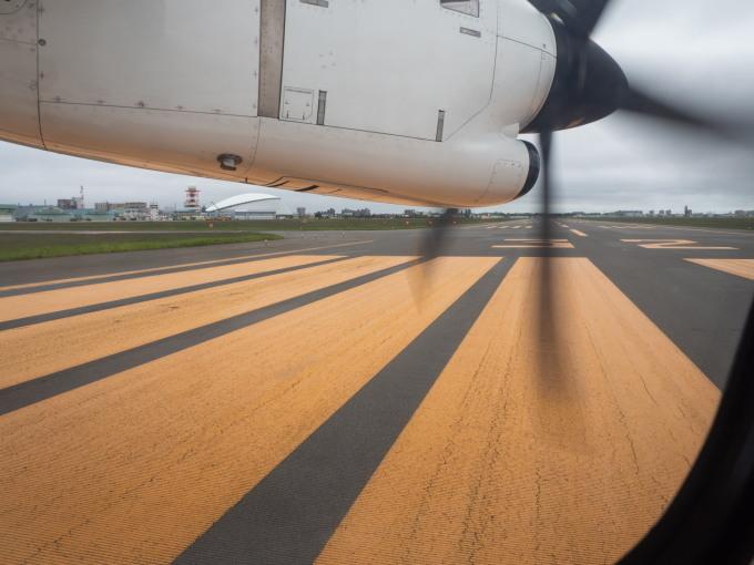 北海道エアシステムの新機材ATR42に乗って・・函館へ(1)_f0276498_13123667.jpg