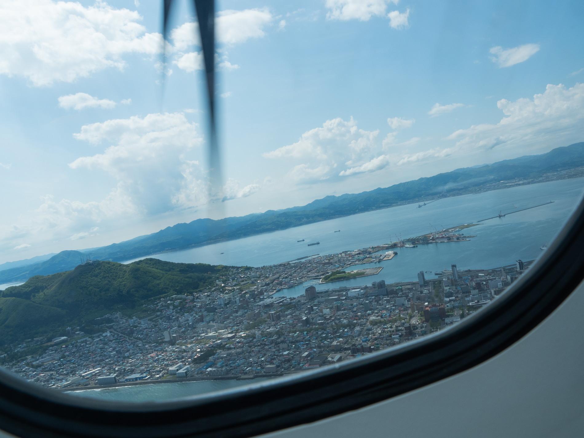 北海道エアシステムの新機材ATR42に乗って・・函館へ(1)_f0276498_13130521.jpg