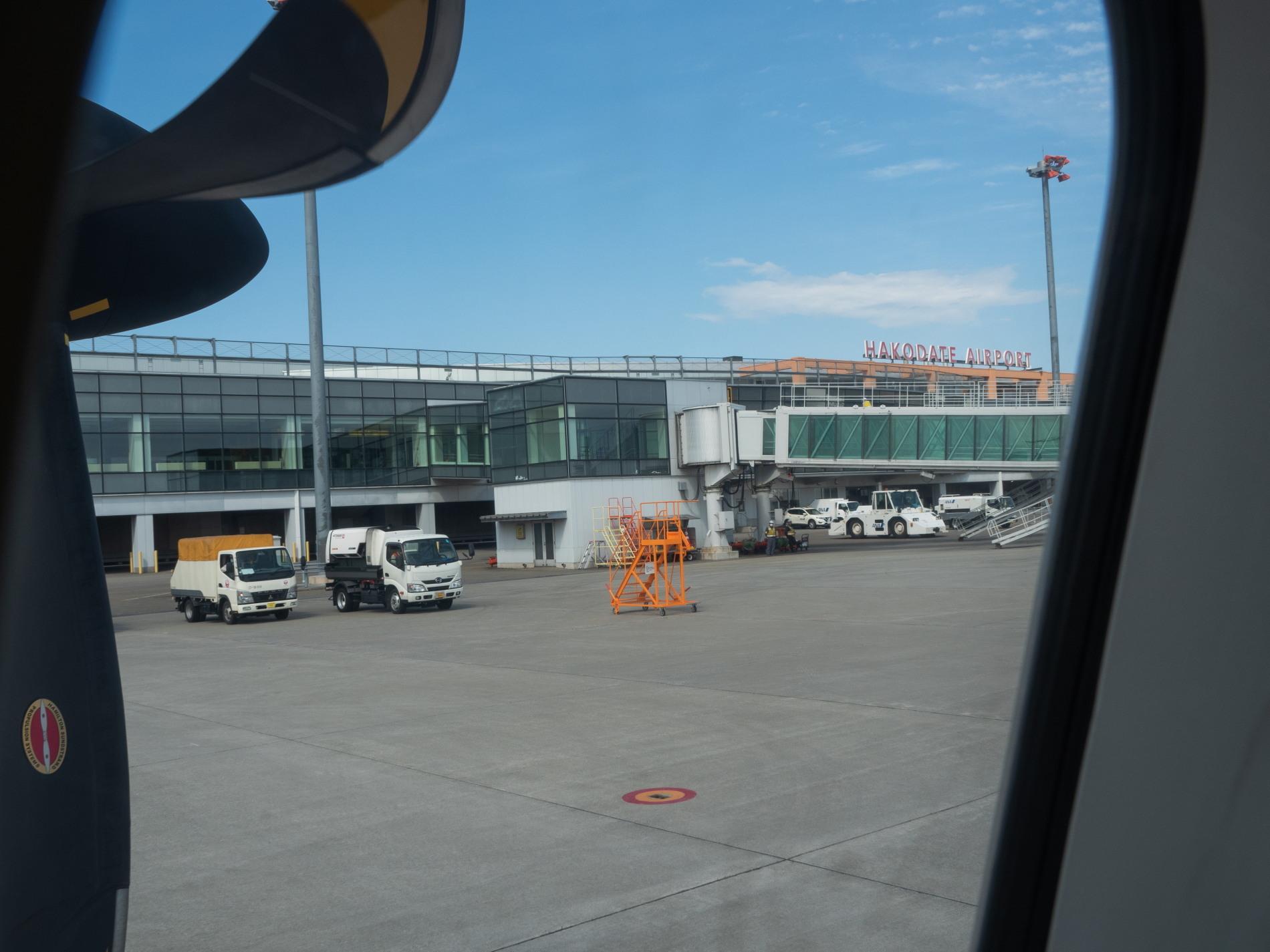 北海道エアシステムの新機材ATR42に乗って・・函館へ(1)_f0276498_13131846.jpg