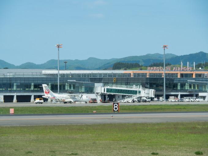 北海道エアシステムの新機材ATR42に乗って・・函館へ(1)_f0276498_13134855.jpg