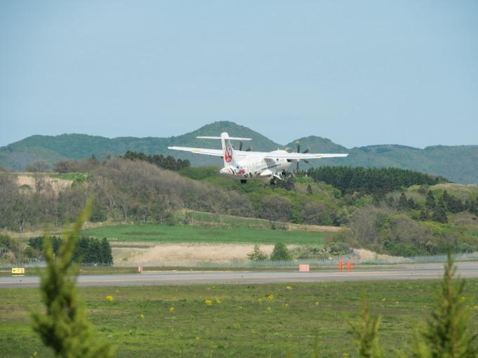 北海道エアシステムの新機材ATR42に乗って・・函館へ(1)_f0276498_13140321.jpg