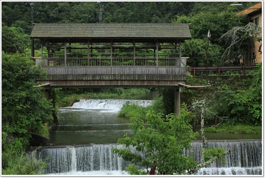 屋根付き橋 (内子町五十崎)_a0057905_16340999.jpg