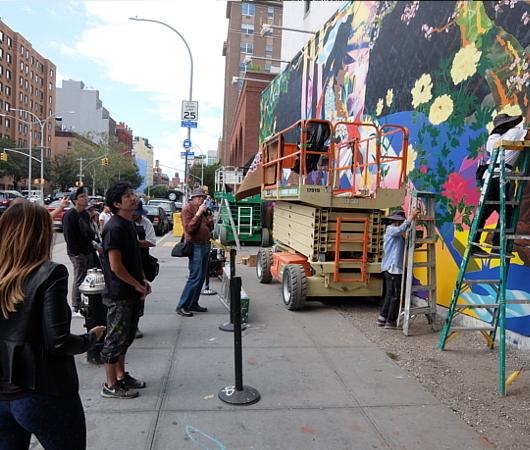 NYでは、ストリート・アートが家の価値を押し上げる?!_b0007805_22115810.jpg