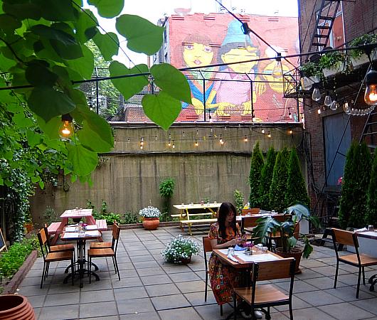 NYでは、ストリート・アートが家の価値を押し上げる?!_b0007805_23081942.jpg