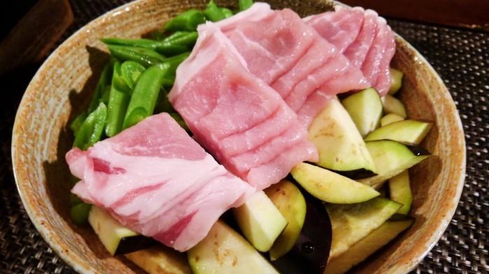 ■菜園料理【豚肉と野菜のオイスター塩コショウ炒め】簡単5分!_b0033423_20062359.jpg