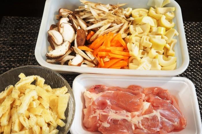 ■【竹の子入り7品目の五目飯】酢飯+甘辛炒め煮具材を後混ぜタイプです。_b0033423_23502442.jpg