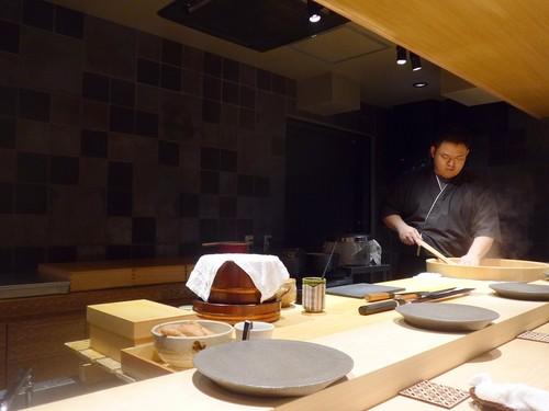 渋谷「熟成鮨 万」へ行く。_f0232060_1358097.jpg