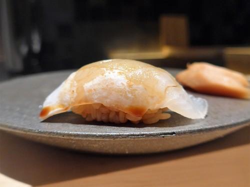 渋谷「熟成鮨 万」へ行く。_f0232060_14133447.jpg