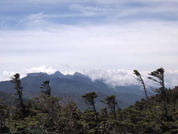 北横岳と縞枯山_c0011862_18374508.jpeg