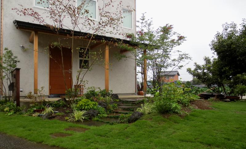 庭づくり | 庭木の成長ビフォーアフター_d0080906_05490762.jpg