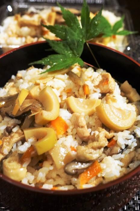 ■【竹の子入り7品目の五目飯】酢飯+甘辛炒め煮具材を後混ぜタイプです。_b0033423_00224394.jpg