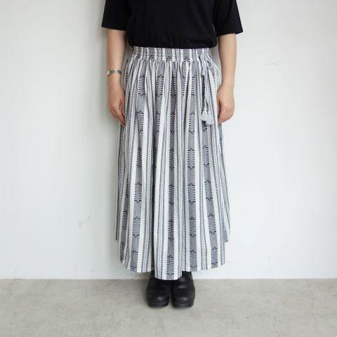 Slow Hands : Dobby stripe gather skirt_a0234452_13372209.jpg
