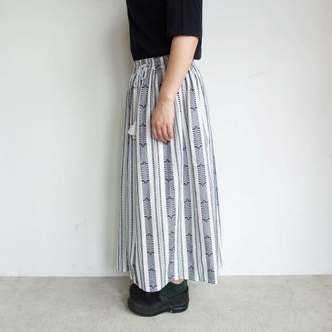 Slow Hands : Dobby stripe gather skirt_a0234452_13373850.jpg