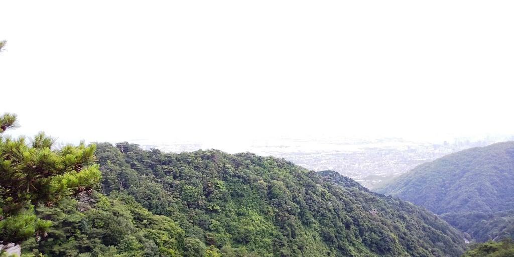 梅雨の晴れ間の堡塁岩_b0227552_19081080.jpg