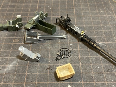 アシェット 74式戦車をつくる 4 (12.7mm重機関銃)_a0352357_22404678.jpg