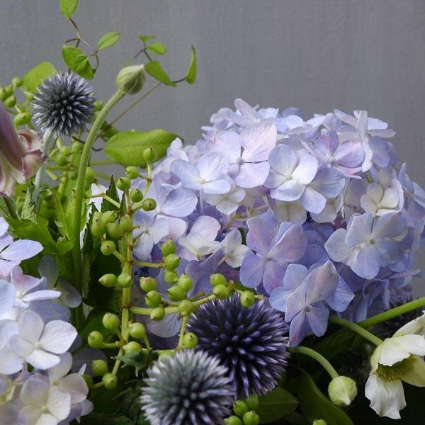 オークリーフ(紫陽花を入れたアレンジメント)_f0049672_15235383.jpg