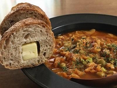 今朝のパンとスープ。プリンアラモードとチョコファッション。_f0231189_22300016.jpg