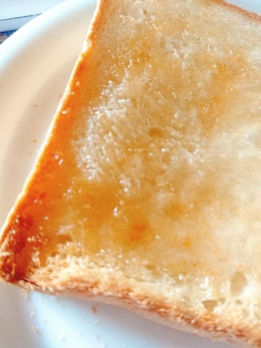 アイチアカと昨日のリベンジ食パン_f0035506_19575948.jpg
