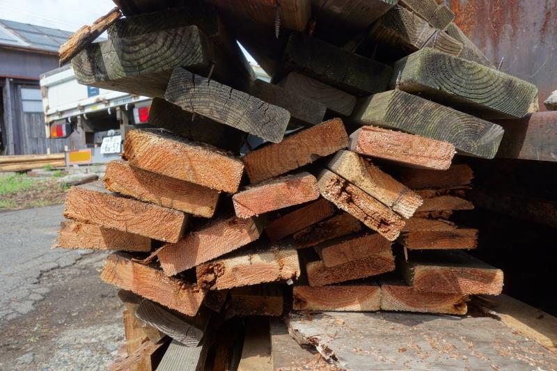 杉の赤身と白太 ウッドデッキ_e0156341_07150631.jpg