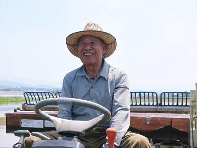 砂田のこだわりれんげ米 田植えの様子(2020) 前編:今年も変わらずれんげを有機肥料にした田んぼです_a0254656_17195843.jpg