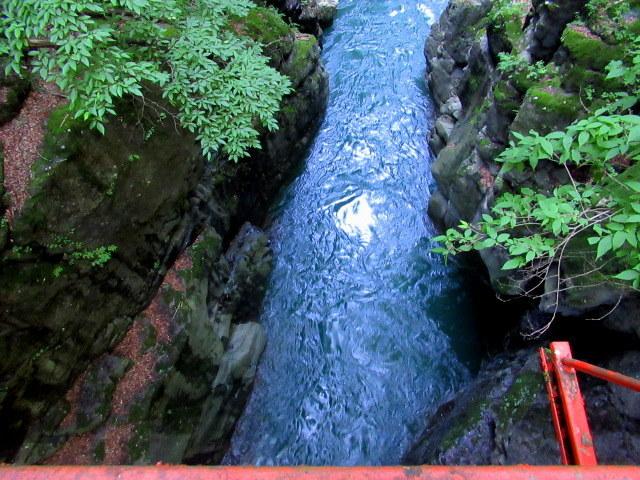 名勝 吾妻峡 * 梅雨の晴れ間、緑の渓谷に涼む♪_f0236260_21282877.jpg