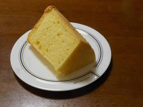 このシフォンケーキは、ユニクロのエアリズム_e0175370_09380686.jpg