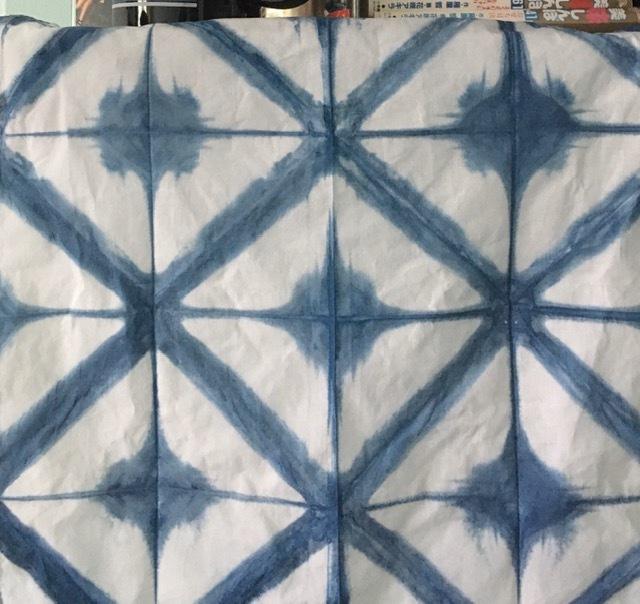 藍染めの忘備録ー絞り染めと板締めでナプキン_e0350971_22475854.jpg